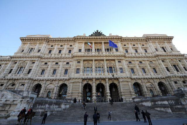 L'ingresso del Palazzo di Giustizia a Roma, dove ha sede la Cassazione, oggi 26 gennaio 2012. ANSA/ETTORE FERRARI