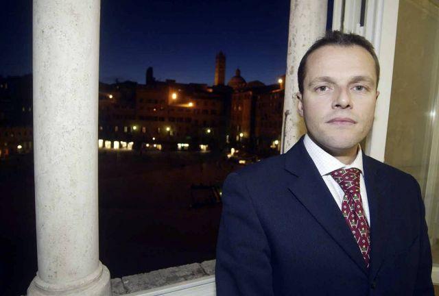 David Rossi: riaperte le indagini sul suicidio dell'ex capo comunicazione di MPS