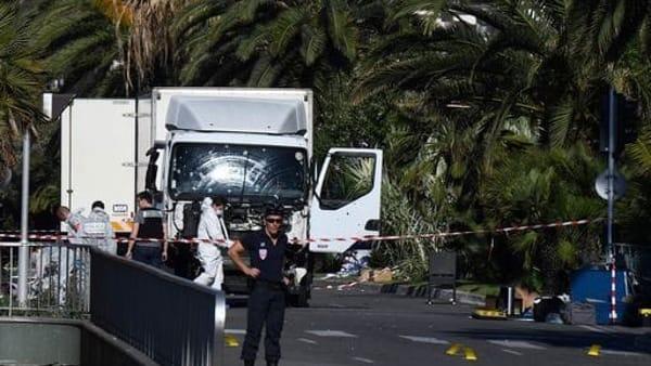 Attentato terroristico a Nizza