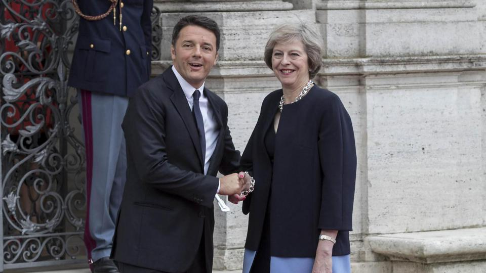 renzi e theresa may