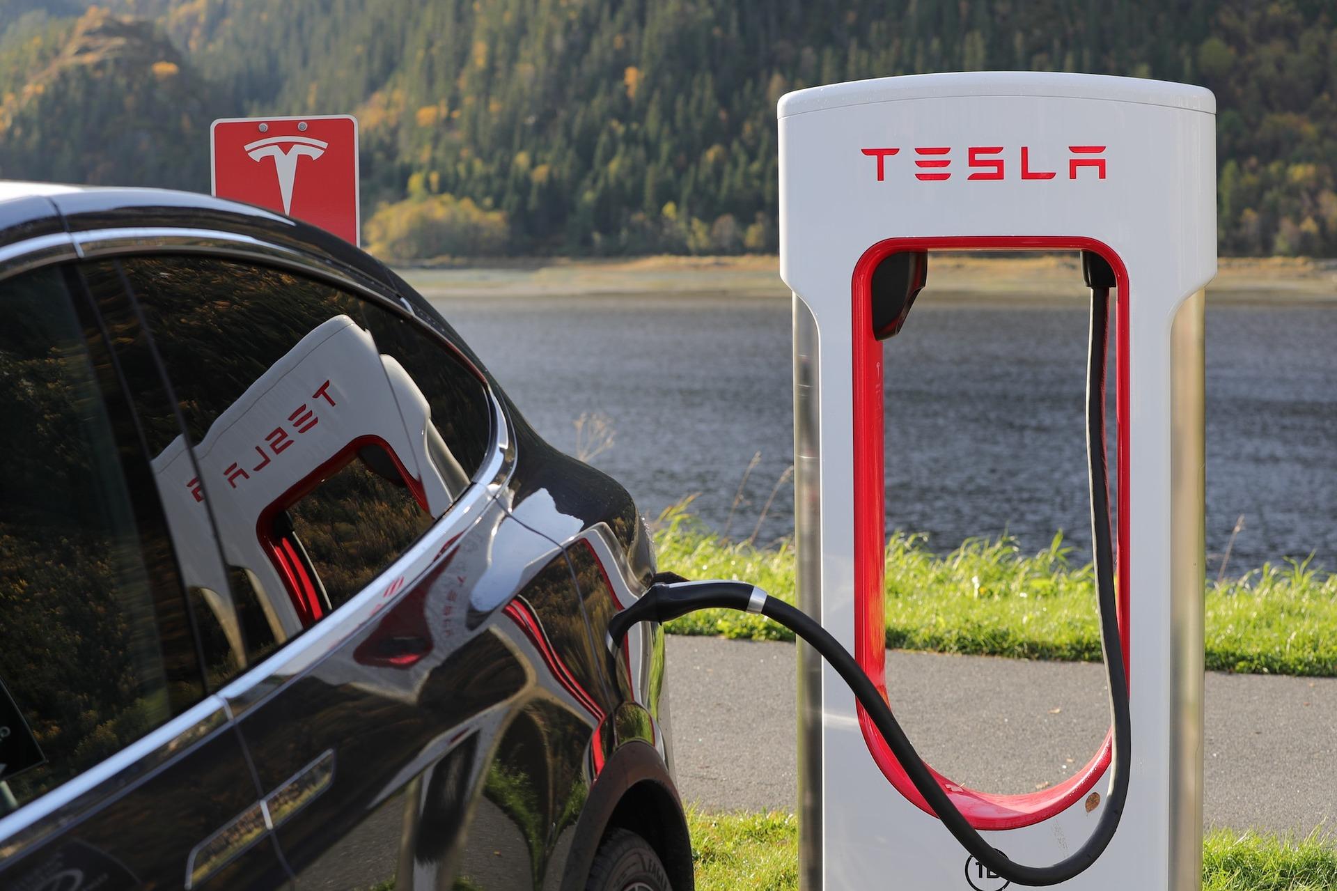 tesla-super-recharging-2