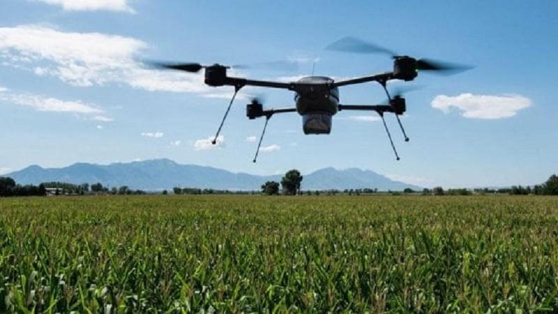 drone anti zanzara in azione