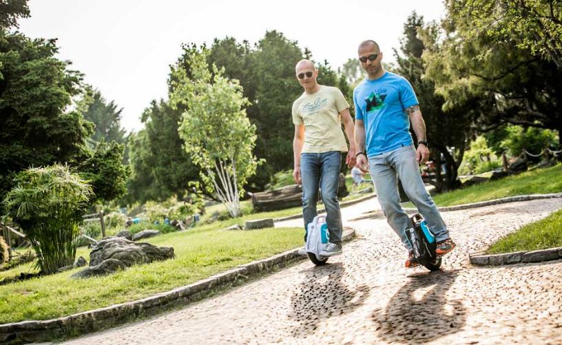 monoruota elettrico - passeggiata nel parco
