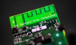 Il cellulare senza batteria risparmia molta energia rispetto al cellulare tradizionale