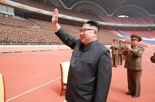 Kim Jong Un dittatore che conduce una vita da nababbo