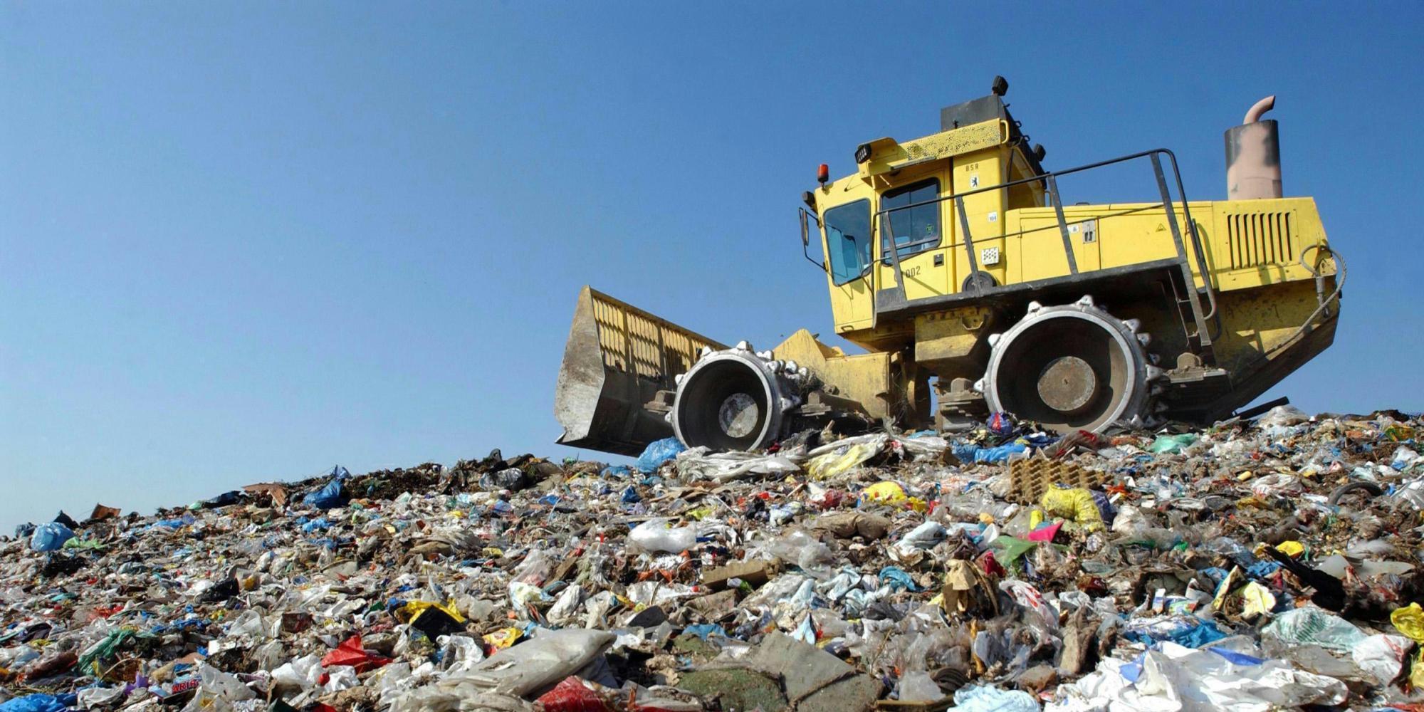 ecosostenibilità la cina blocca l'importazione di rifiuti problema per il mondo intero