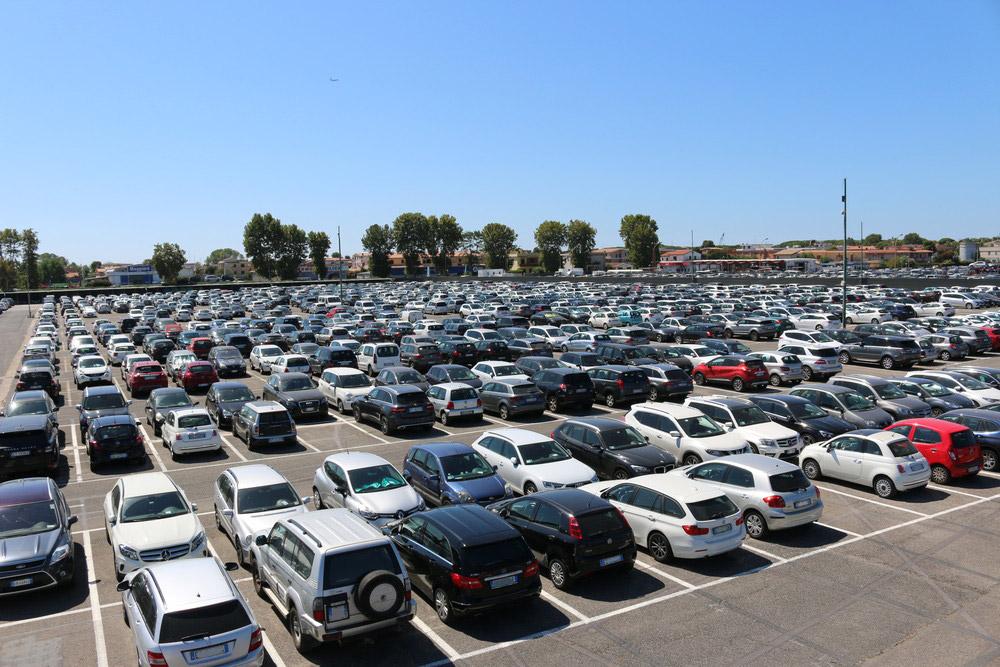 parcheggiare sarà più facile con l'auto del futuro