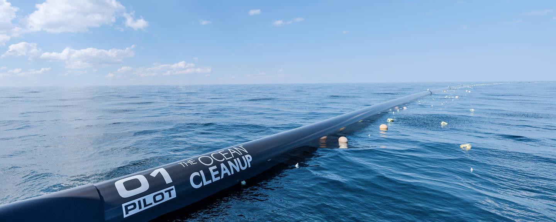 Un Elicottero Recupera Dall Oceano : Ripulire gli oceani dalla plastica si può parola di