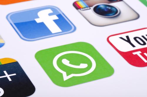 Tasto da Facebook a Whatsapp