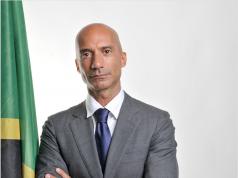 Marco Conca console Tanzania