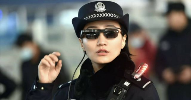 cina-occhiali-tecnologia