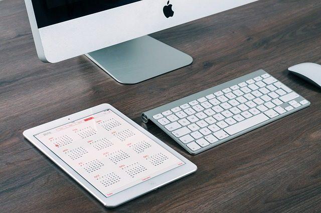 scrivania-perfetta-lavoro