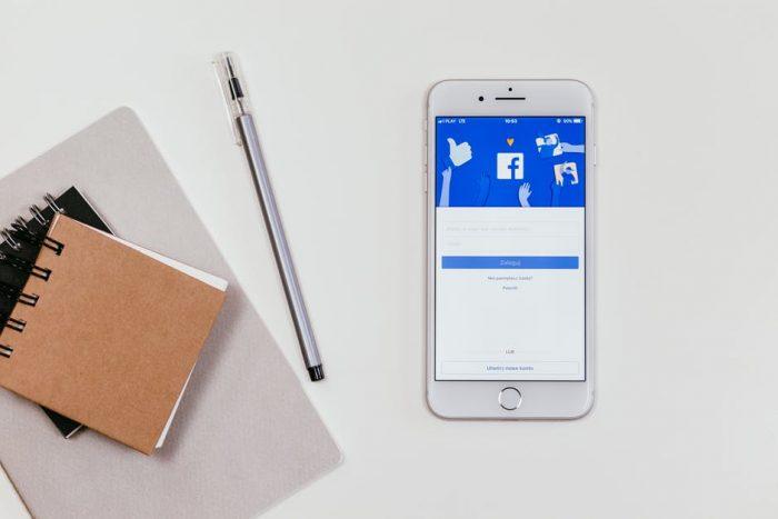 Facebook a pagamento: Zuckerberg preannuncia una nuova versione per proteggere la privacy
