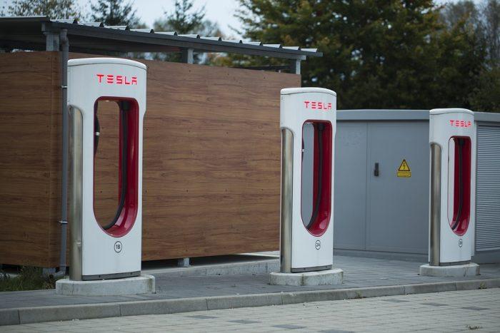 Tesla Model 3: produzione 24/7 per rispettare i tempi di consegna
