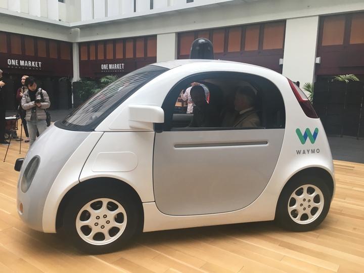 auto-guida-autonoma-google-intelligenza-artificiale