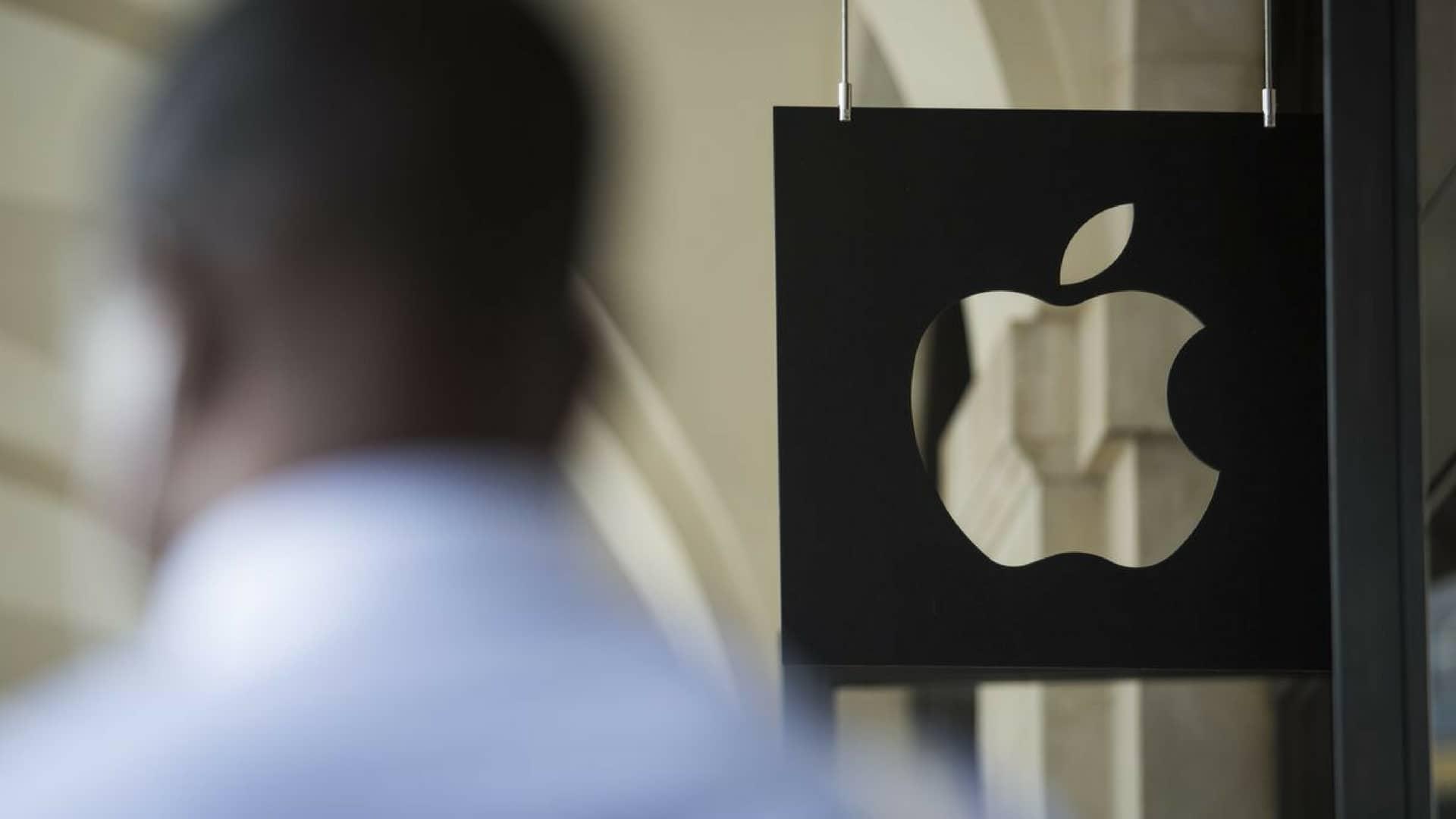 apple-exdipendente-ruba-dati