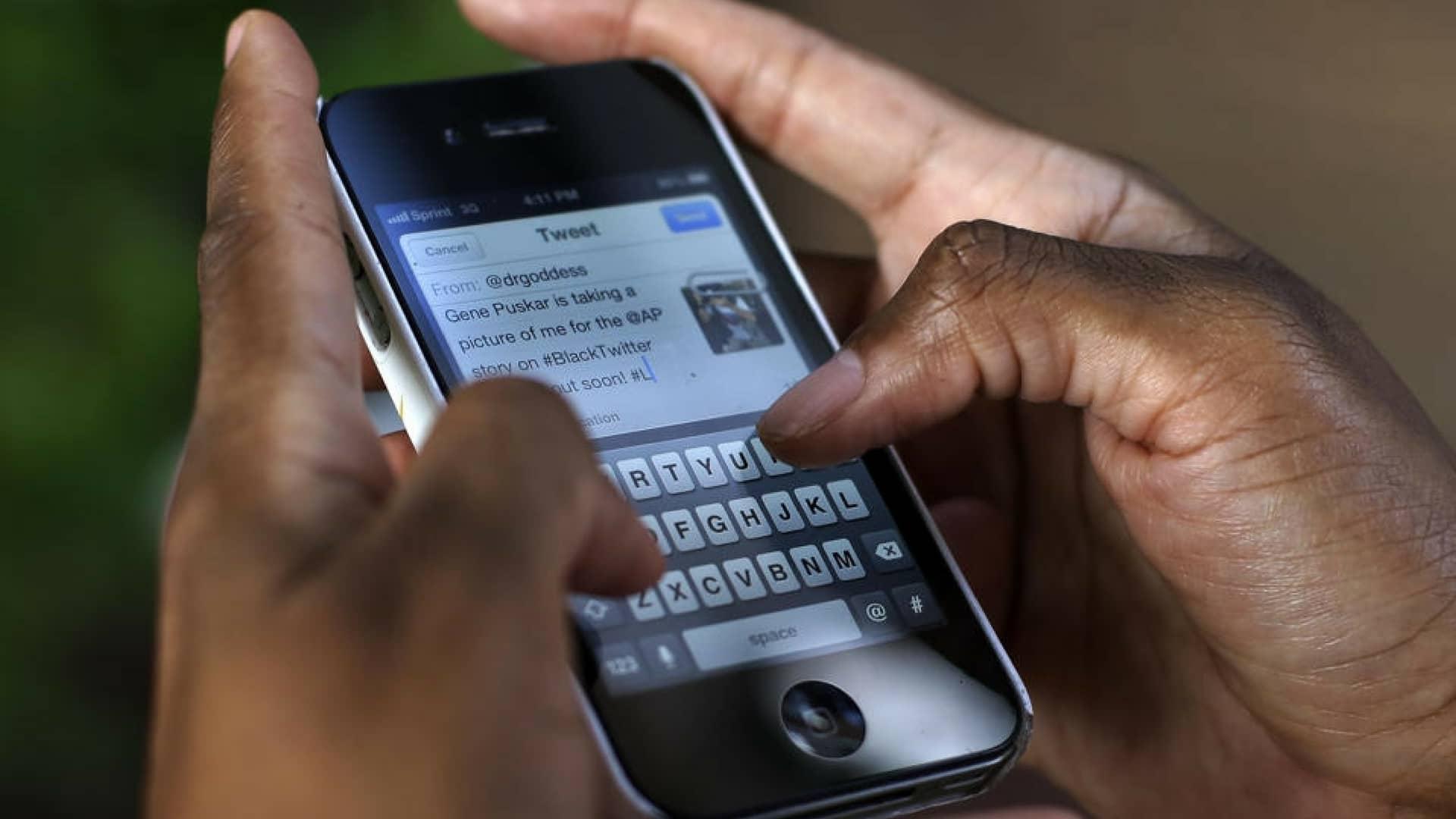 uganda-tassa-social-network
