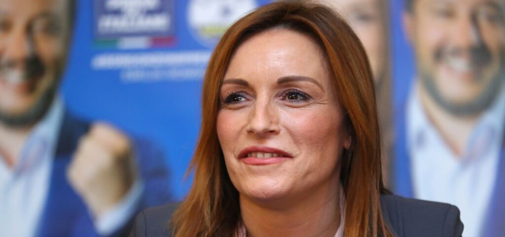 Lucia Borgonzoni, sottosegretaria alla Cultura che non sa usare il congiuntivo