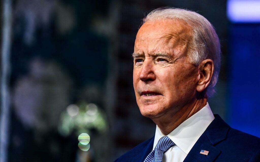 """Biden, attacco durissimo al presidente russo Putin: """"È un assassino"""""""