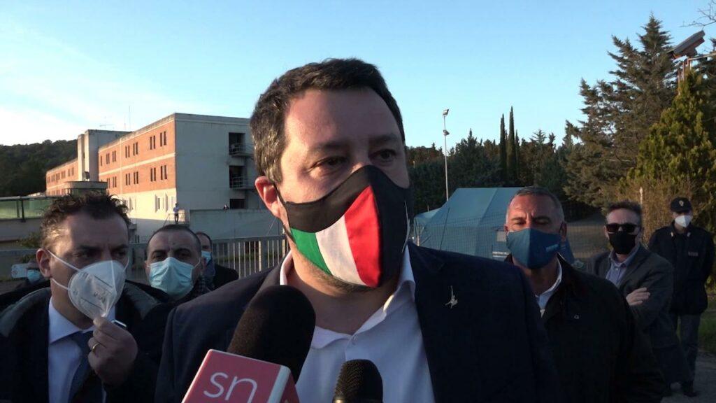 Salvini dalla parte degli agenti condannati a San Gimignano per tortura
