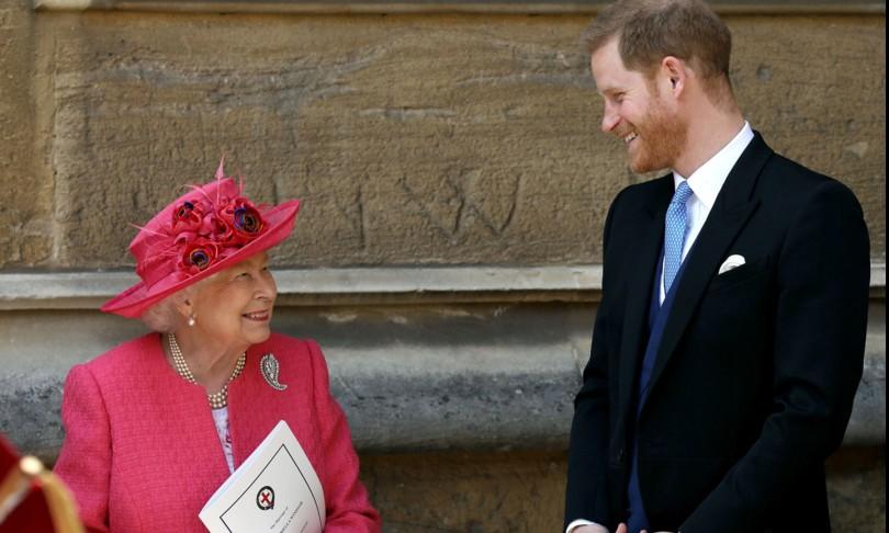 """La Regina Elisabetta arrabbiata con Harry? No, solo """"molto triste"""""""