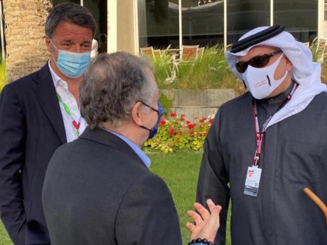 """Renzi vola in Bahrain per la Formula Uno, i social insorgono: """"Noi a casa, lui a divertirsi"""""""