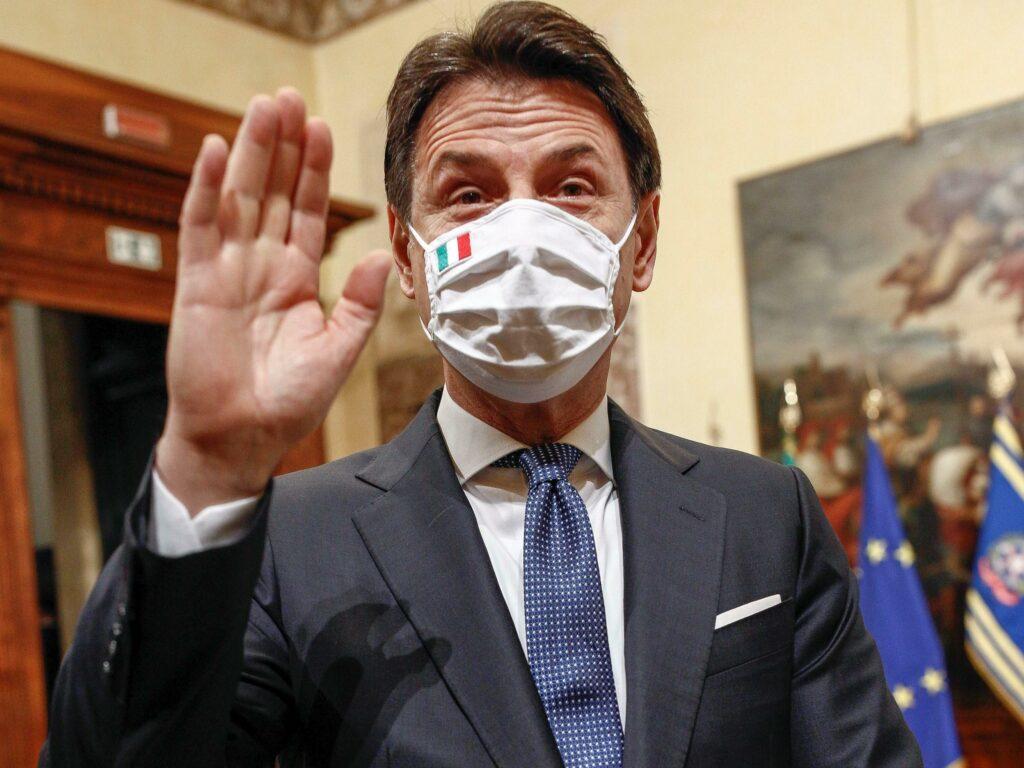"""Conte, stoccata a Salvini: """"Si finge all'opposizione e prende i meriti del governo"""""""