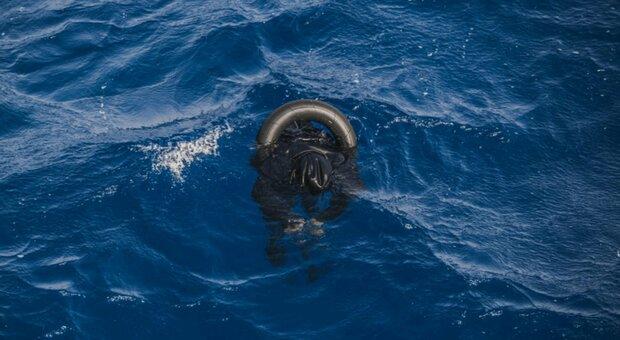 Migranti, le foto choc dell'ennesima strage in mare. Ed è polemica sulle parole di Salvini
