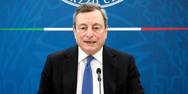 Draghi presenta il dl Sostegni bis: aiuti a giovani e turismo, nuova norma anti-licenziamenti