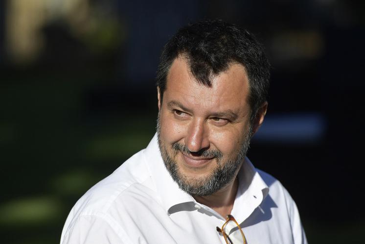 Il piano (disperato) di Salvini per difendersi dal sorpasso di Giorgia Meloni