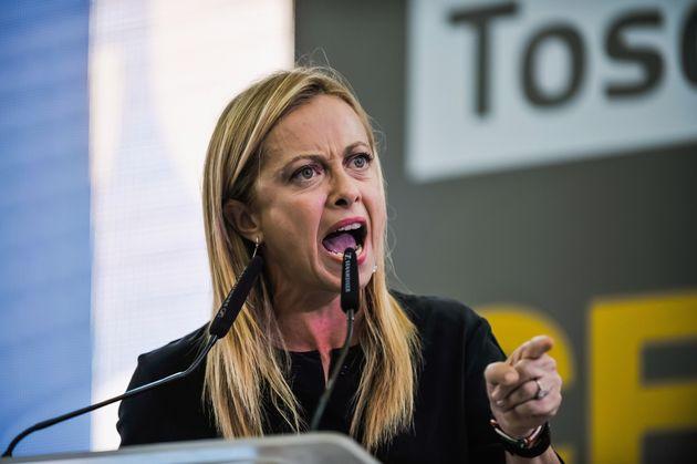 Un libro per prendersi il centrodestra: così Giorgia Meloni sfida Salvini
