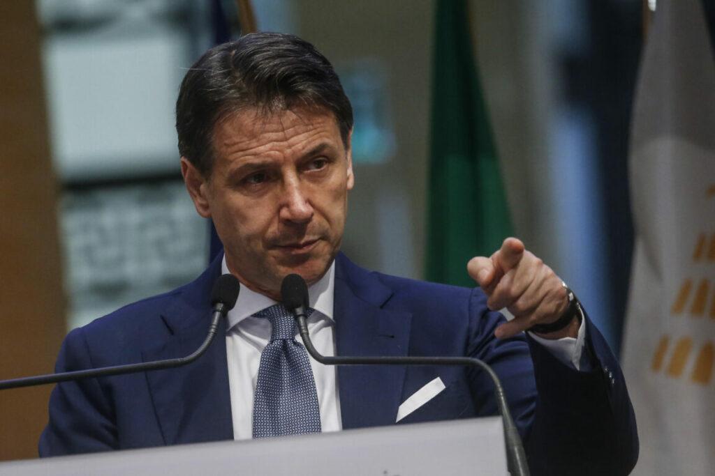 """Conte risponde a Grillo: """"Svolta autarchica che mortifica un'intera comunità"""""""