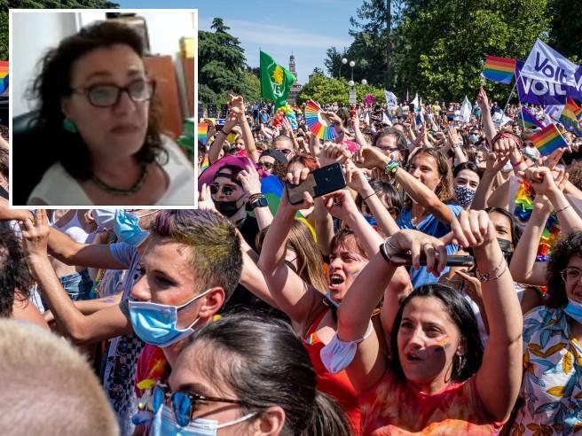 """""""Il Gay Pride è ritrovo di disadattati schizoidi"""": il delirio della consigliera di Forza Italia"""