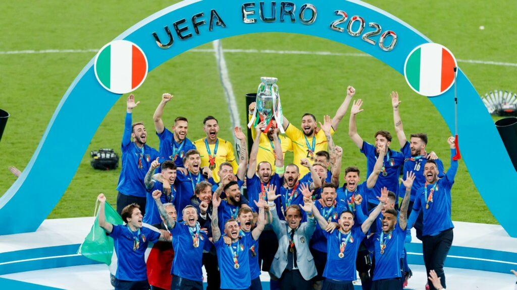 "L'Italia di Mancini, i Maneskin, Draghi: il NY Times celebra la ""rinascita azzurra"""