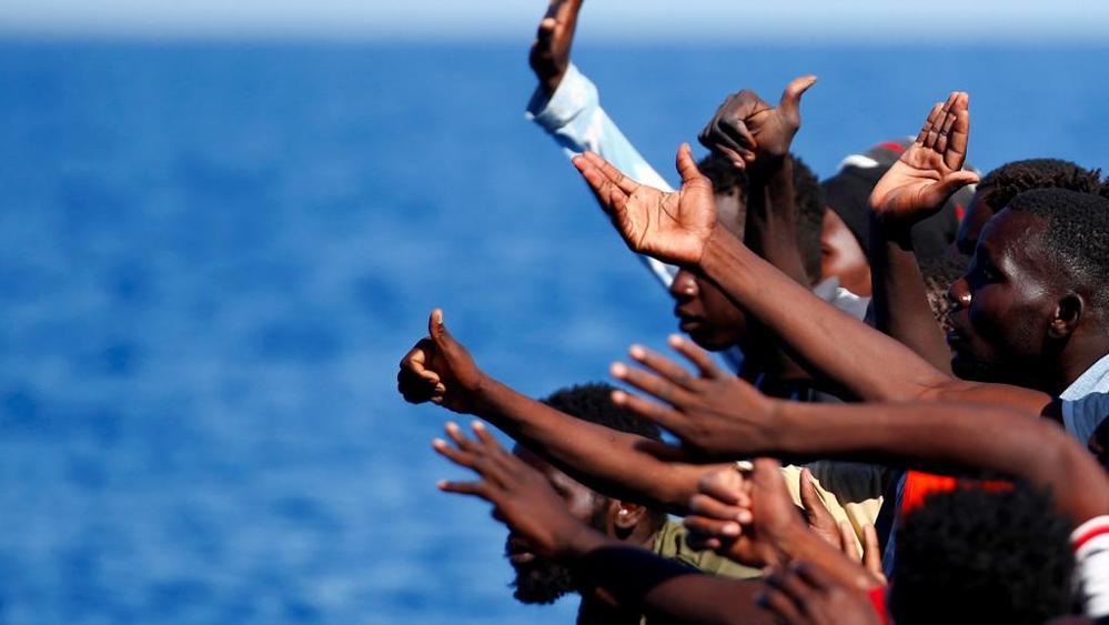 """Migranti, l'arcivescovo di Palermo: """"Morti in mare avvolte da un silenzio disumano"""""""