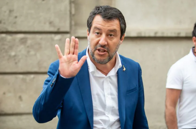 "Salvini difende l'assessore leghista Adriatici: ""Nessun Far West, legittima difesa"""