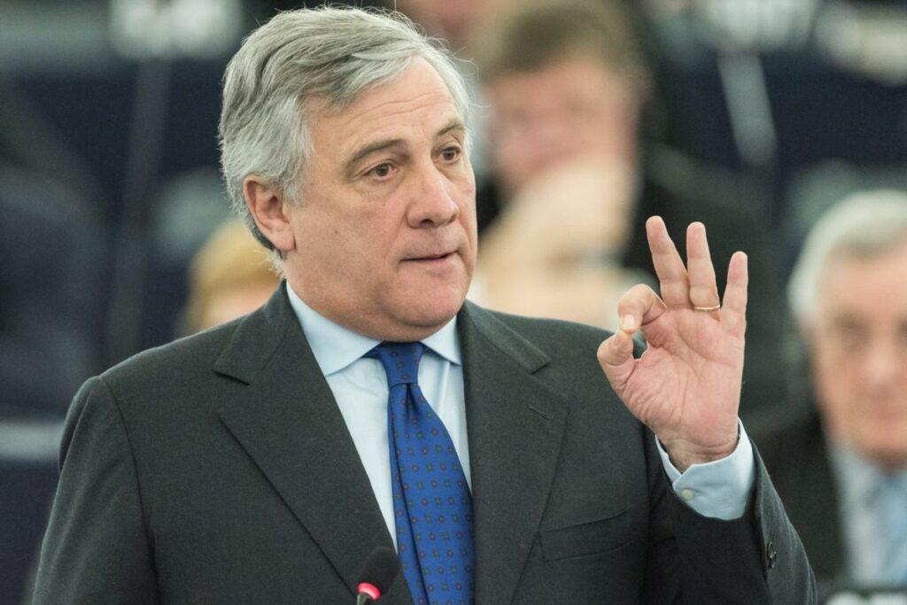 """Tajani boccia Quota 100: """"Non serve"""". Tensione alle stelle nel centrodestra"""