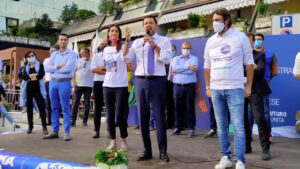 Matteo Salvini contestato dai cacciatori a Brescia