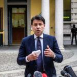 Minacce a Renzi durante il comizio di Conte