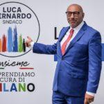 Il candidato del centrodestra a Milano Luca Bernardo saricato dal collega di Torino