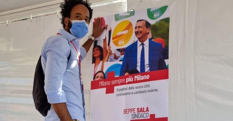 """""""Puzzi e prendi i nostri soldi"""": gli insulti razzisti contro il candidato di Sala a Milano"""