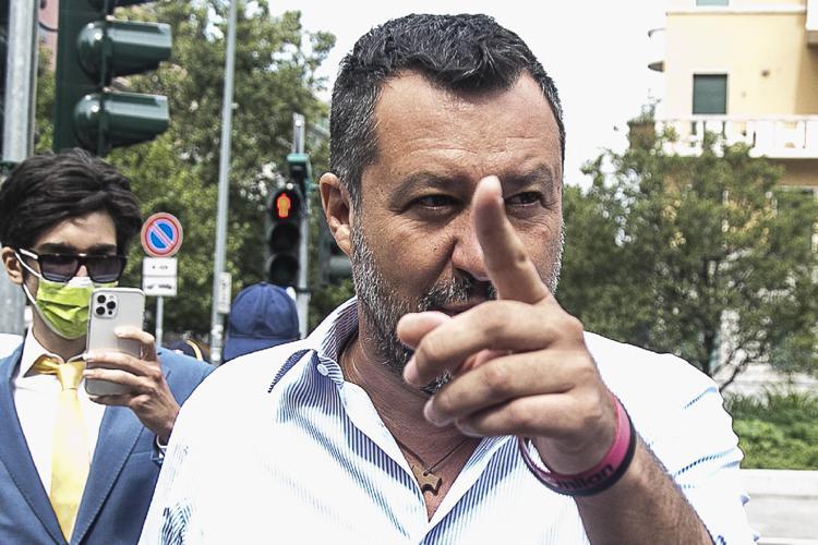 La Lega è spaccata in due: spuntano le chat anti-Salvini dei governatori del nord
