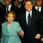 La promessa di Berlusconi alla mamma che spaventa Pd e M5S